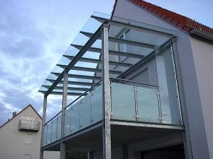 Glaserei_Ruehl_Nuernberg_Glasbau_Balkon_Ueberdachung_1a