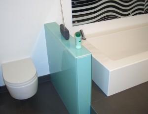 Glaserei_Ruehl_Nuernberg_Trennwand_Toilette_aus_Glas